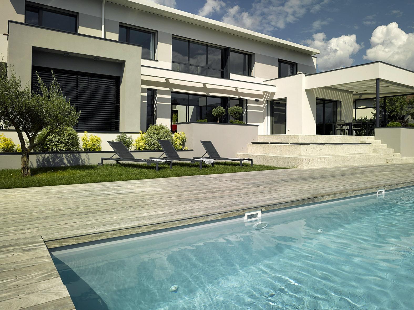 concessionnaire piscines carre bleu adonis paysages. Black Bedroom Furniture Sets. Home Design Ideas